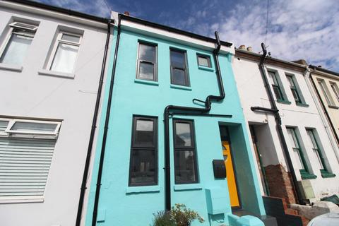 4 bedroom terraced house to rent - Grange Road, Hove BN3