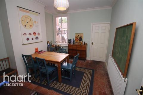 3 bedroom terraced house to rent - Tyrrell Street