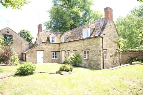 3 bedroom detached house to rent - The Green, Exton