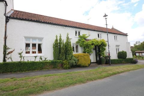 4 bedroom cottage to rent - Manor Croft, 248 West Ella Road