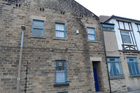 2 bedroom flat to rent - Flat above 36 Pitt Street Barnsley, Barnsley, S70 1AW