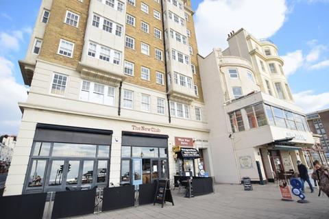 Studio to rent - Kings Road, Brighton