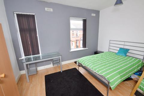 4 bedroom property to rent - Braemar Road, Manchester