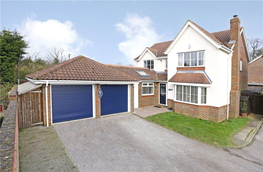 4 Bedrooms Detached House for sale in Beacon Close, Stone, Aylesbury, Buckinghamshire