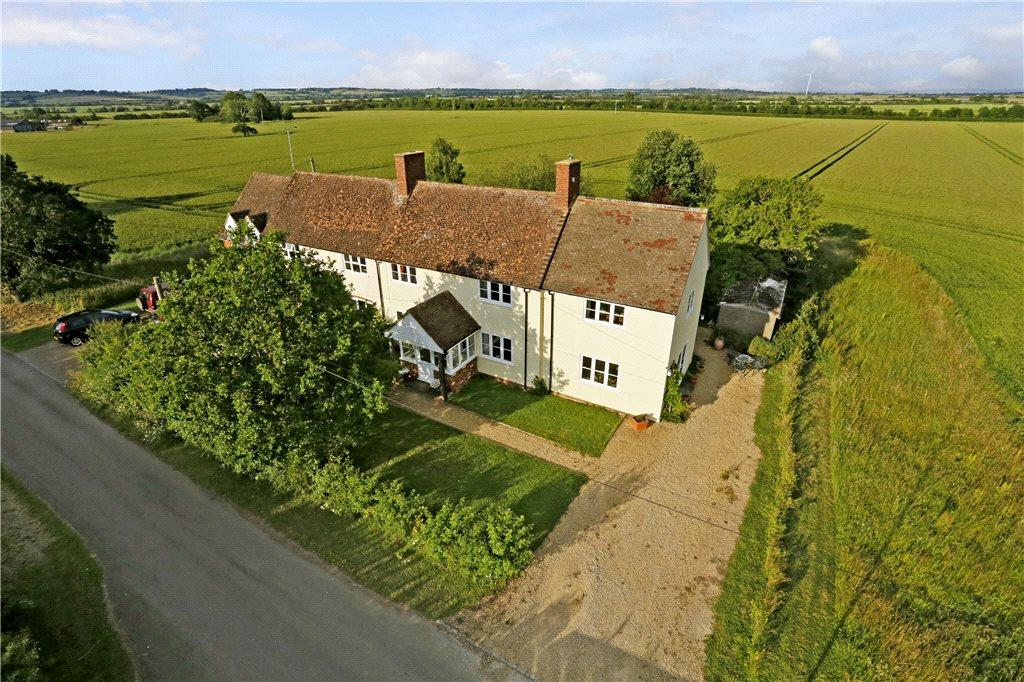 4 Bedrooms Semi Detached House for sale in Lower Blackgrove Farm Cottages, Waddesdon, Aylesbury, Buckinghamshire