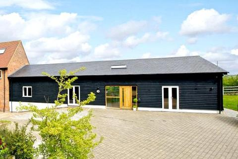3 bedroom barn conversion to rent - Poplars End, Park Road, Toddington, Bedfordshire, LU5