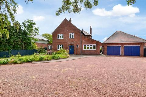 4 bedroom detached house for sale - Junction Road, Norton, Stockton-On-Tees