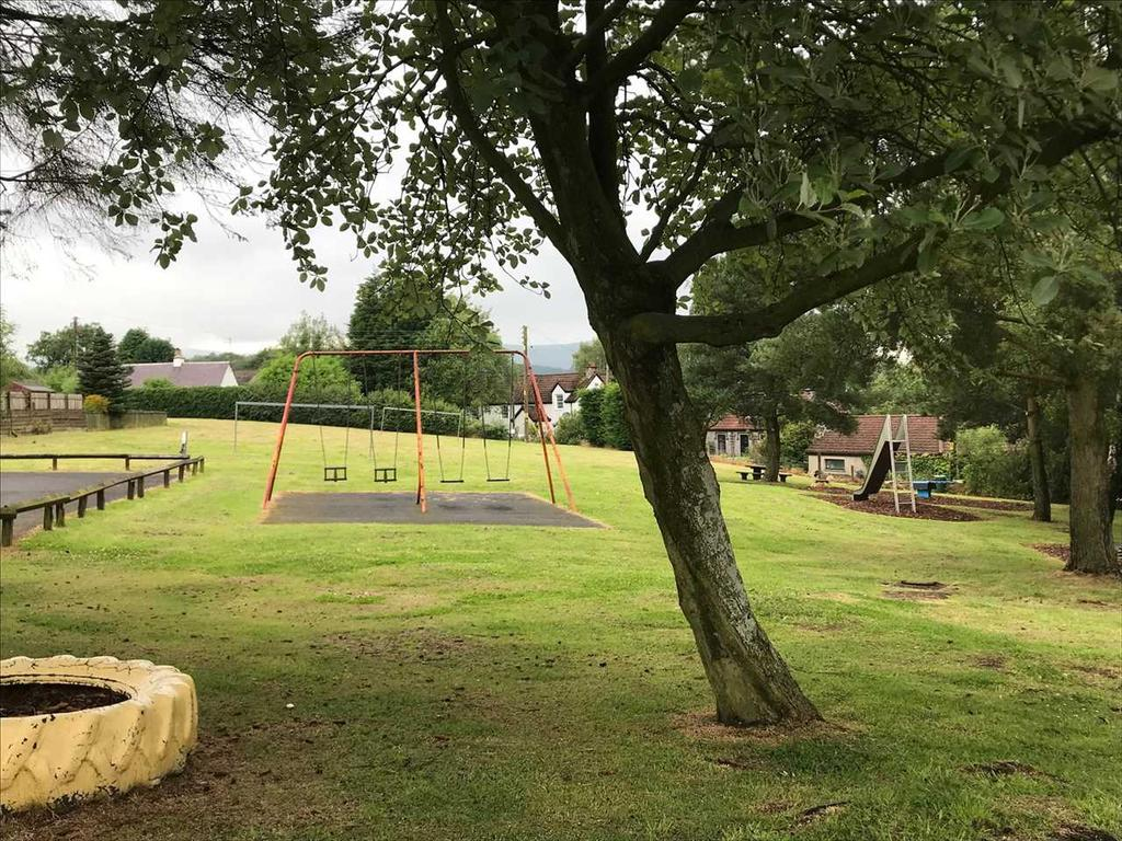 Play park nearby