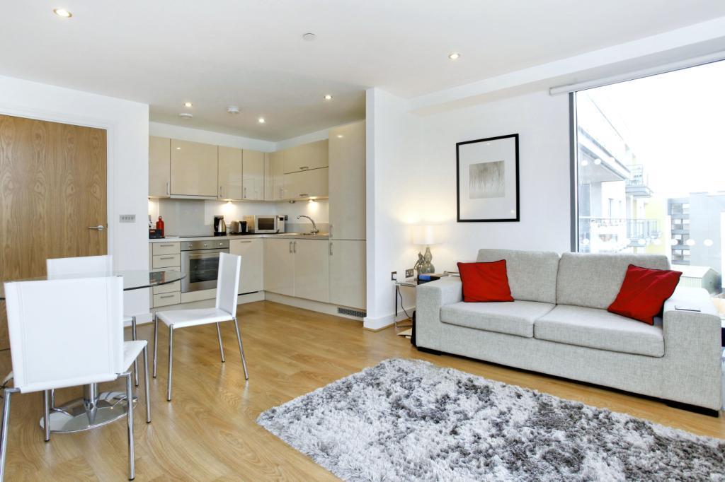 1 Bedroom Flat for sale in Craig Tower, Aqua Vista Square, London
