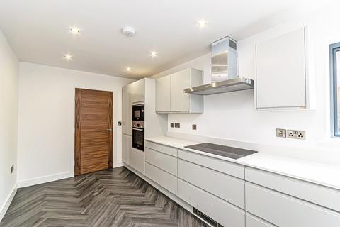 2 bedroom flat to rent - Elmwood, Menlove Avenue, Liverpool, Merseyside, L18