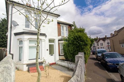 1 bedroom property - Jeffery Street, Gillingham, ME7