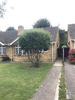 2 bedroom bungalow to rent - Beverley Gardens, Maidenhead, SL6