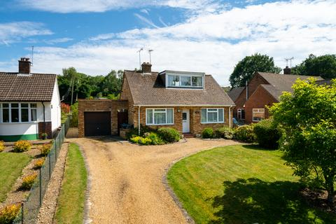 2 bedroom detached bungalow for sale - Rambling Way, Potten End, Berkhamsted HP4
