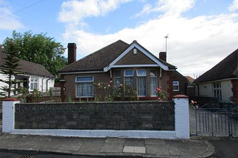 2 bedroom detached bungalow for sale - Fairfield Close, Canton, Cardiff