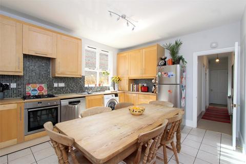 2 bedroom flat for sale - Crescent Road, Alexandra Park, London