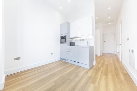 Studio to rent - Atria House, Bath Road, 219 Bath Road, Slough, SL1