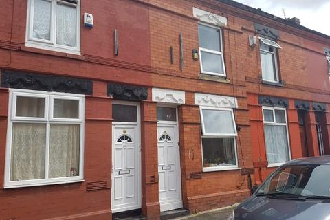 2 bedroom terraced house to rent -  Delafield Avenue,  Manchester, M12
