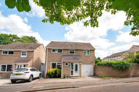 4 bedroom detached house to rent - Chestnut Close, Witney, Oxfordshire, OX28