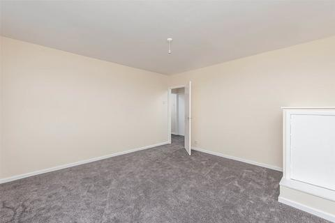 2 bedroom apartment to rent - Canterbury Way, Wideopen, NE13