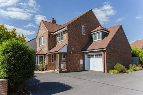 4 bedroom detached house for sale - Longwick