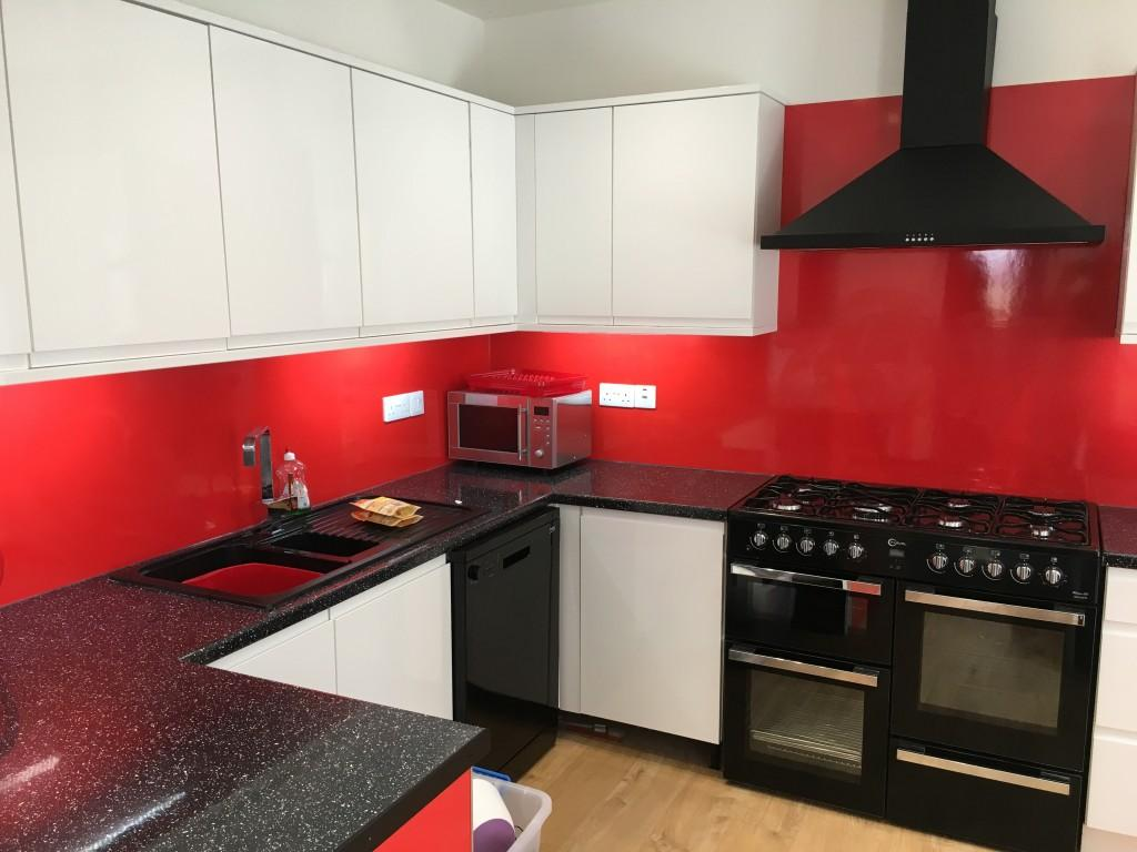 Derry Avenue Plymouth 6 bed Student Accommodation kitchen