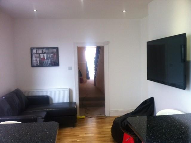 Derry Avenue Plymouth 6 bed Student Accommodation living room