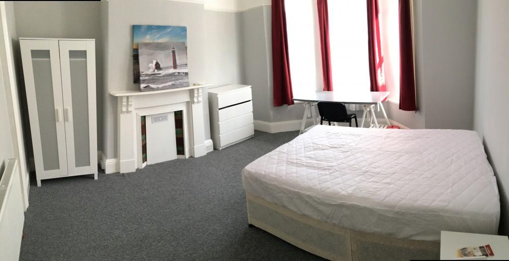 Derry Avenue Plymouth 6 bed Student Accommodation bedroom