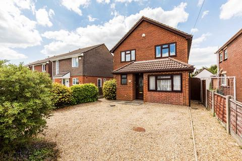 4 bedroom detached house for sale - Canberra Road, Christchurch, BH23