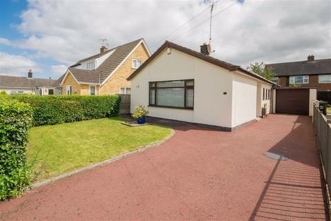2 bedroom detached bungalow for sale - Ffordd Pennant, Mold, Mold