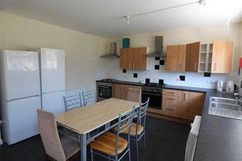 7 bedroom house to rent - Gainsborough Road, Leicester