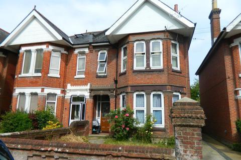 Studio to rent - Thornbury Avenue, Southampton, SO15