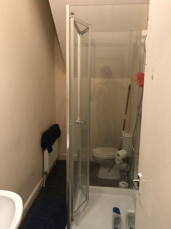 Flat 3 Bathroom
