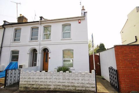 2 bedroom end of terrace house for sale - Gloucester Road, Near Train Station, Cheltenham, GL51