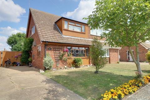 3 bedroom semi-detached house for sale - Penryn Road, Kesgrave IP5