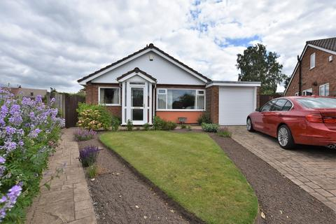 3 bedroom detached bungalow for sale - Buckfast Close, Hale