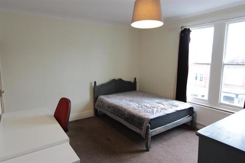 1 bedroom house share to rent - Roach Road, Sheffield, S11 8UA