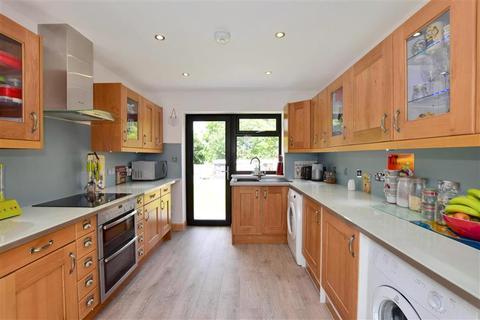 4 bedroom detached bungalow for sale - Colts Hill, Capel, Tonbridge, Kent