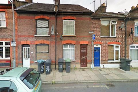 3 bedroom terraced house to rent - Hibbert Street, Luton LU1
