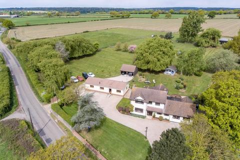4 bedroom detached house for sale - Stock Lane, Ingatestone, Essex, CM4