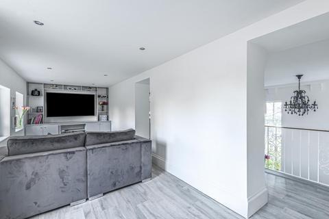 4 bedroom flat for sale - Princess Park Manor, Royal Drive, N11