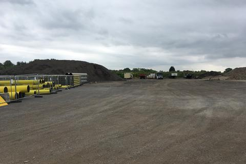 Storage to rent - A127/M25 Junction, Brentwood, Essex CM13
