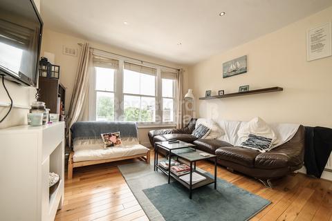 2 bedroom flat - Jeffreys Road, Stockwell