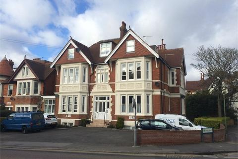 2 bedroom flat to rent - 4 Percy Road, Bournemouth