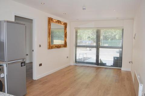 2 bedroom flat to rent - Flat 4, Christonian Court, Central Avenue , West Bridgford, Nottingham NG2 6AN