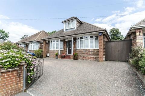4 bedroom detached bungalow for sale - Taunton Drive, Bitterne, Southampton, Hampshire