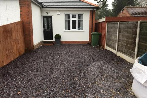 2 bedroom semi-detached bungalow to rent - Marsland Road, Sale, Cheshire, Manchester M33