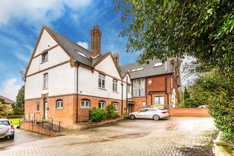 3 bedroom apartment to rent - Castle Street, Bletchingley