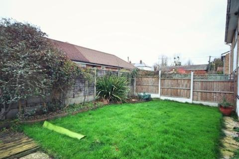 3 bedroom semi-detached house for sale - Sorrell Close, Little Waltham