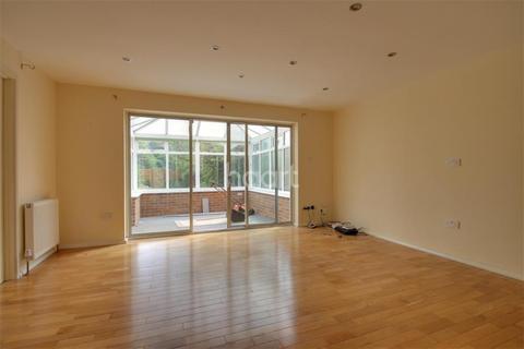 3 bedroom detached house to rent - St Peters Road, Harborne