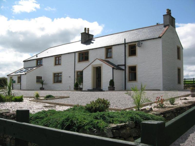 4 Bedrooms Detached House for sale in Barstibly Farmhouse, Castle Douglas, Dumfries and Galloway, DG7
